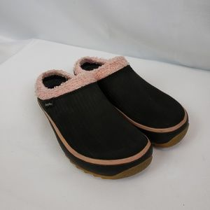 SIMPLE brand shoes black & pink size 6